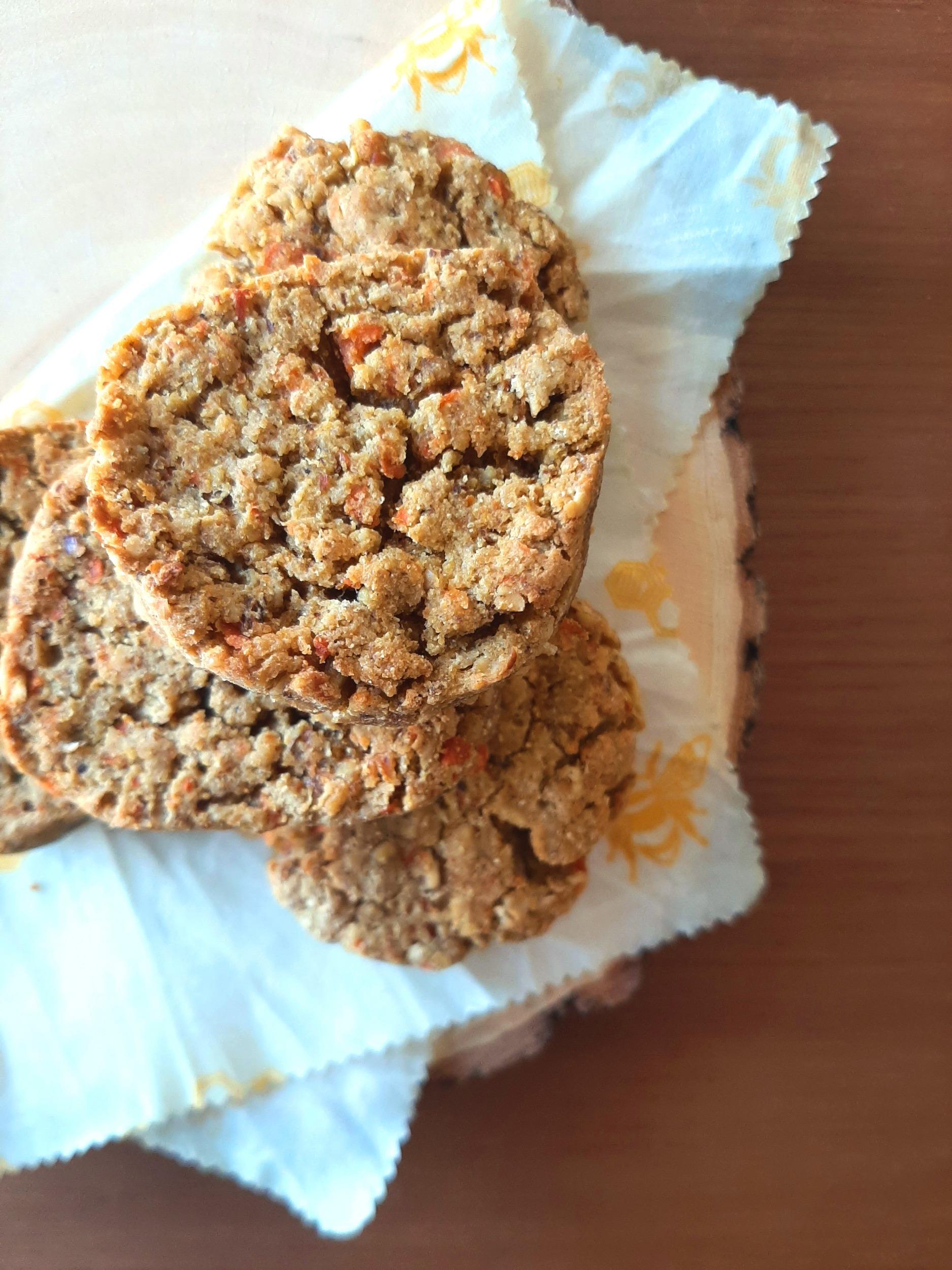 Carrot Cake Oatmeal Cookies, gluten-free and vegan!