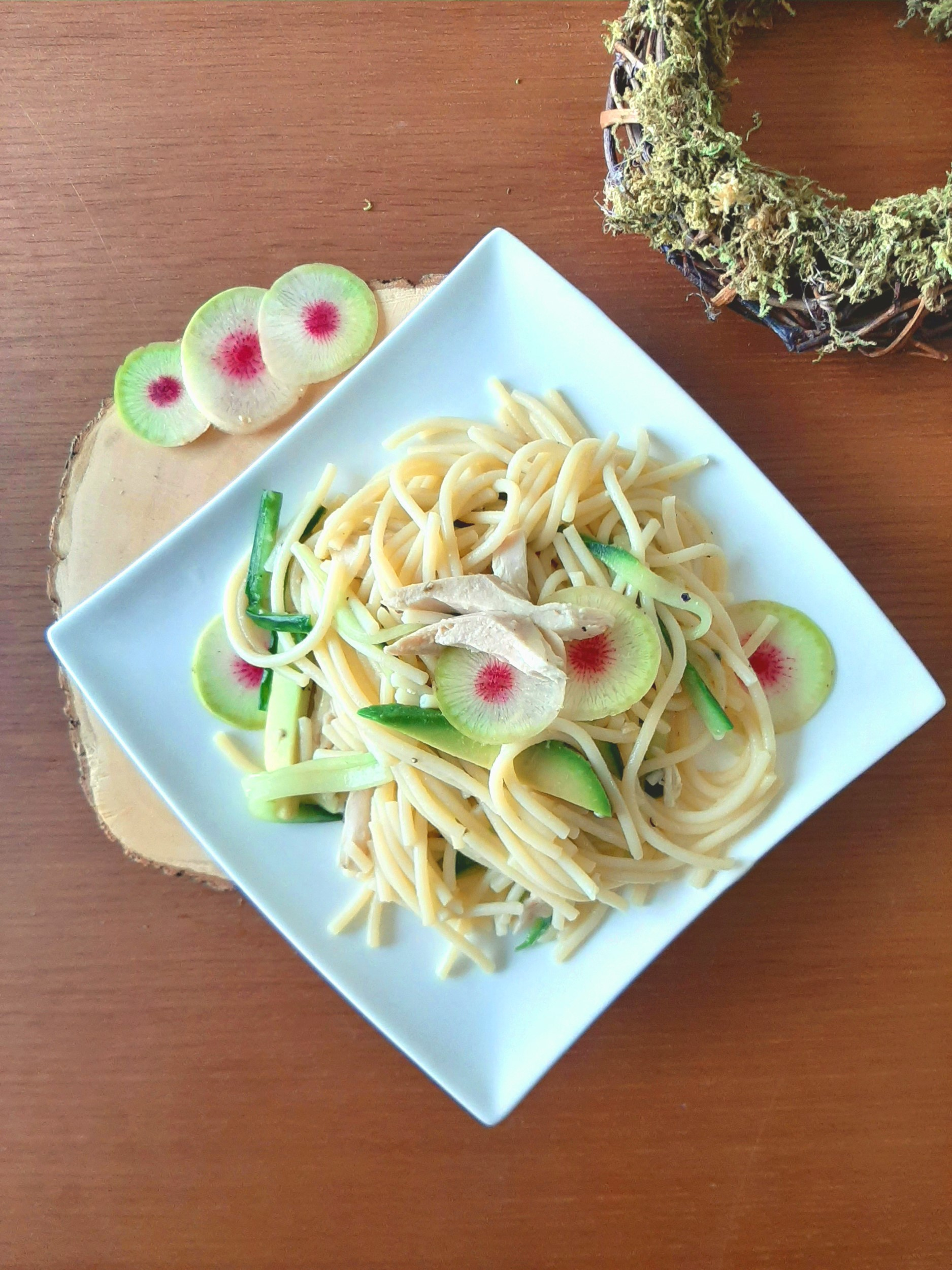 15-Min Healthy Green Pasta with Shredded Chicken