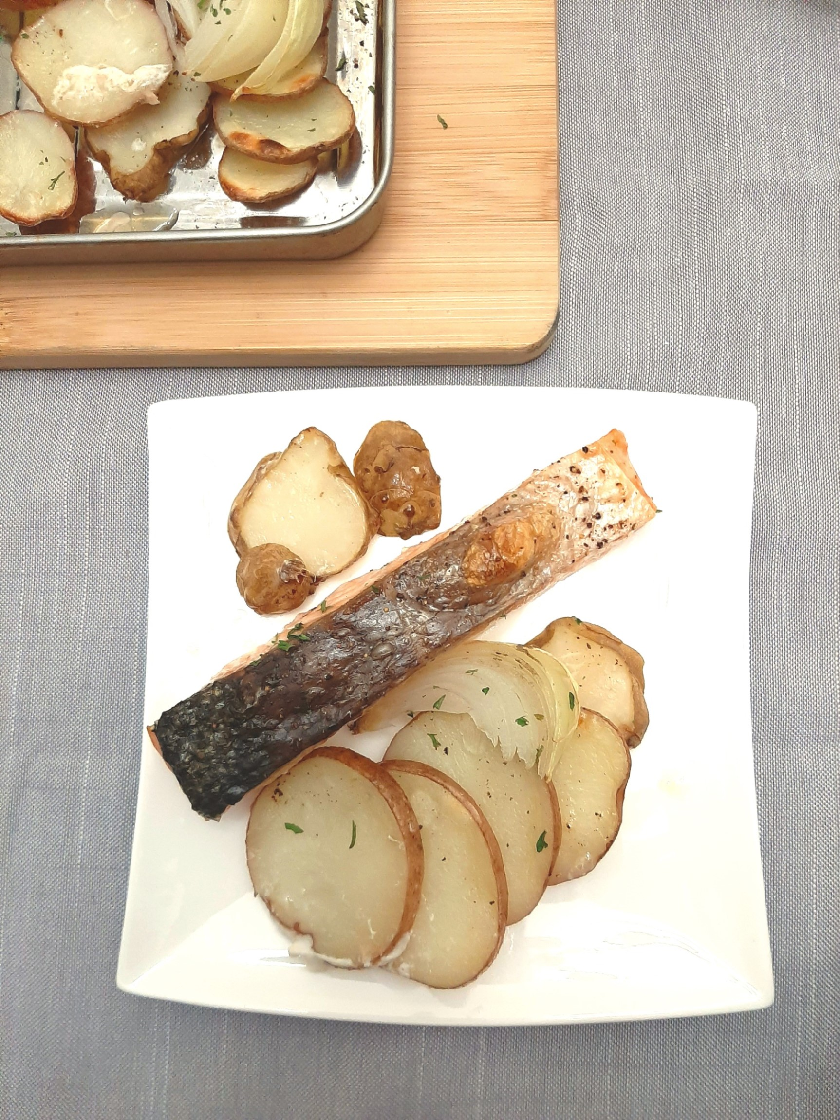 Simple Broiled Salmon with Jerusalem Artichokes