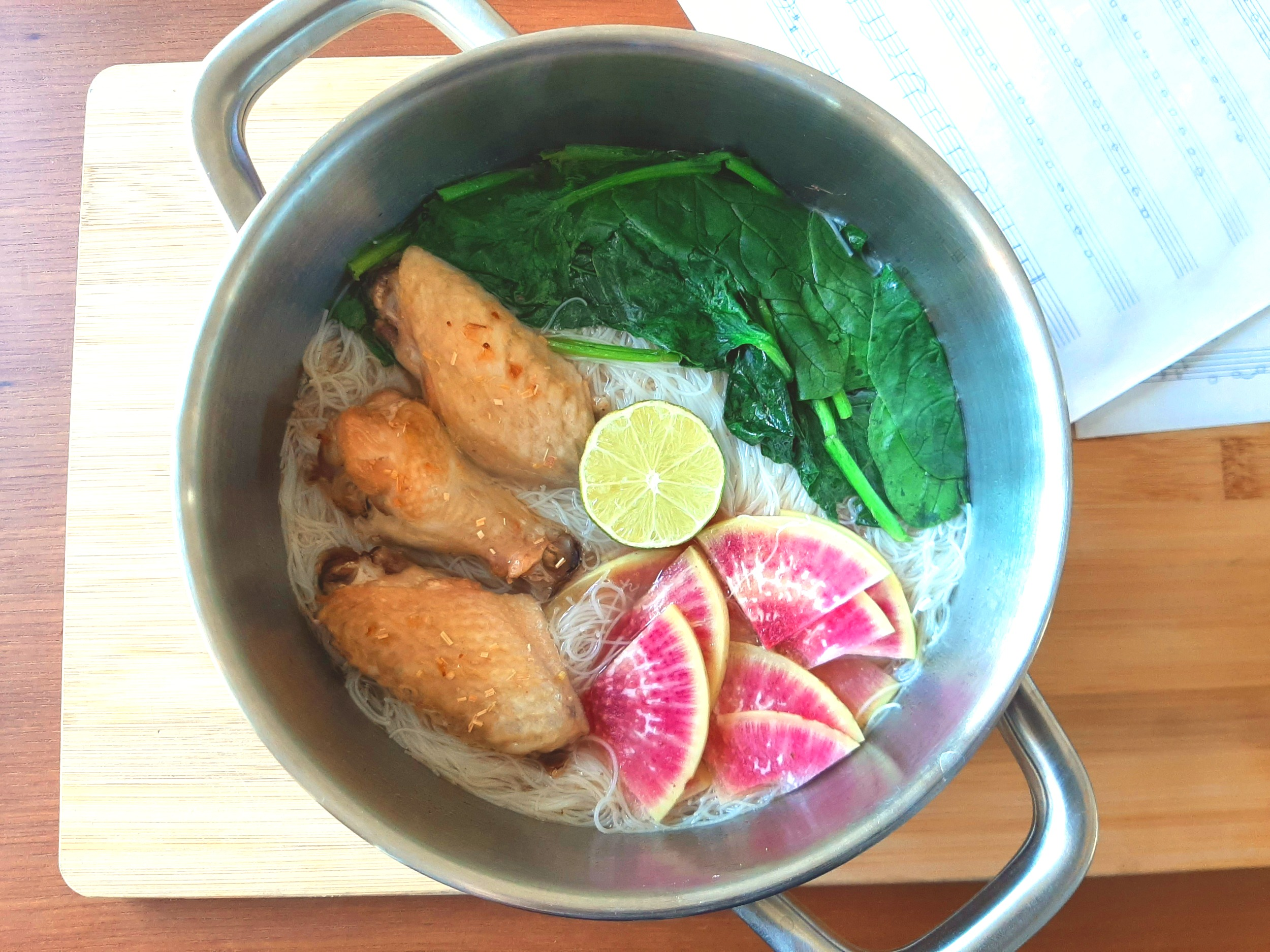 Vermicelli with Lemongrass wings